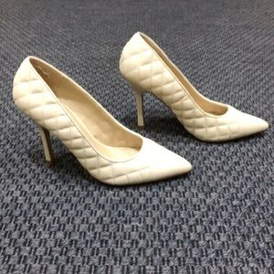 ShoeDazzle * Ivory Quilted Heels * Size 9.5